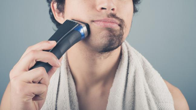 Shaving With Electric Shaver Razor